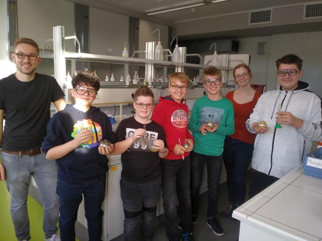 Weihnachten im Chemielabor.jpg
